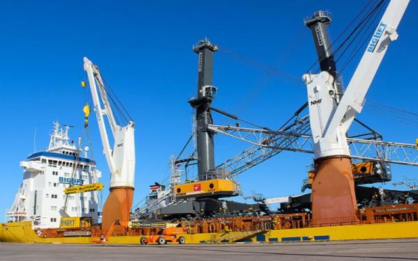 Two new cranes delivered to Port Elizabeth terminal