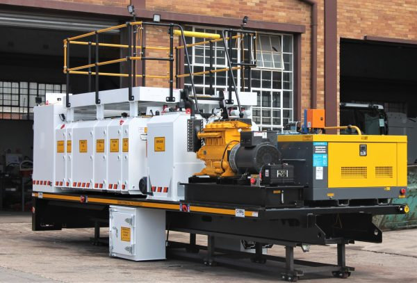 Atlas Copco U110PACE mounted on Cobra Project's pneumatic lube service truck.