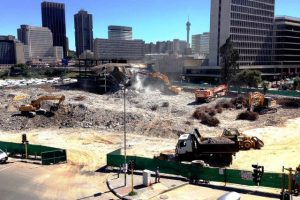 Large scale commercial demolition within an urban environment